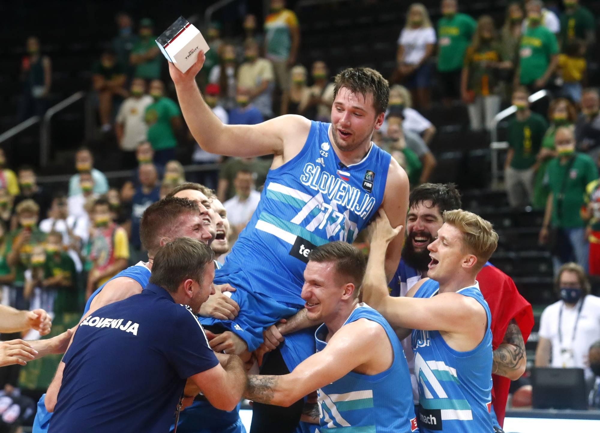 """Trở về sau màn trình diễn ấn tượng ở Olympic, Luka Doncic nhận về bản hợp đồng """"lịch sử"""" tại NBA - Ảnh 2."""