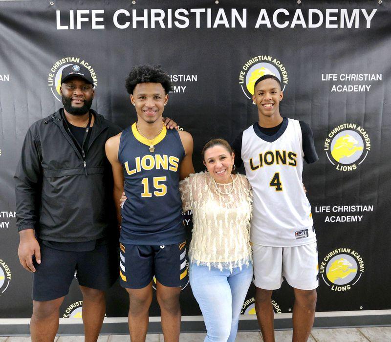 Tài năng trẻ tật nguyền Hansel Emmanuel nhận học bổng đại học để thi đấu tại NCAA - Ảnh 3.