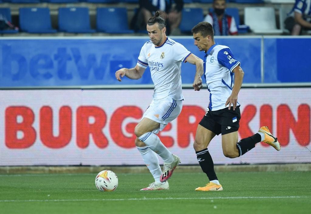 Benzema lập cú đúp, Real Madrid thắng dễ Alaves 4-1 trong ngày khai màn La Liga - Ảnh 1.