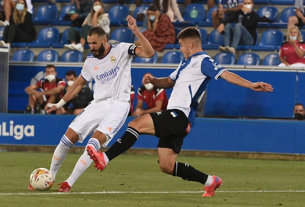 Benzema lập cú đúp, Real Madrid thắng dễ Alaves 4-1 trong ngày khai màn La Liga - Ảnh 2.