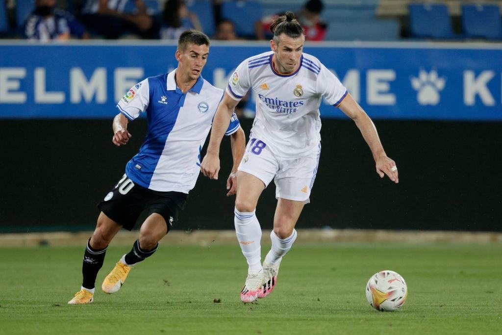 Benzema lập cú đúp, Real Madrid thắng dễ Alaves 4-1 trong ngày khai màn La Liga - Ảnh 3.