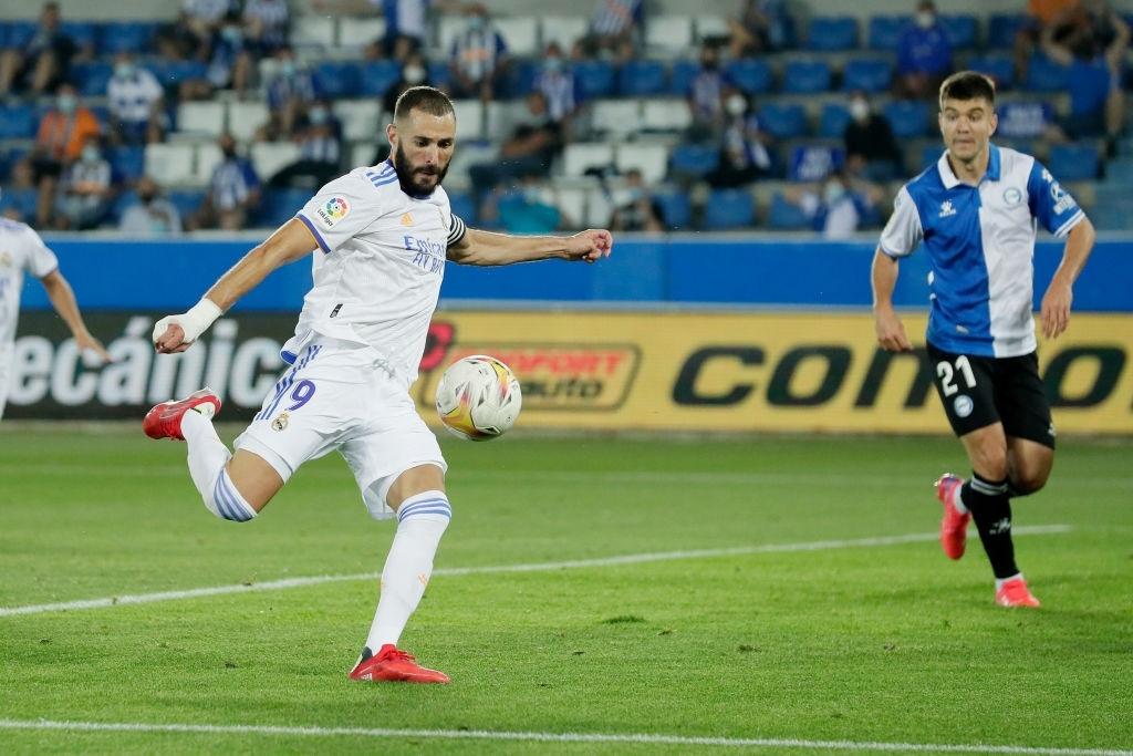 Benzema lập cú đúp, Real Madrid thắng dễ Alaves 4-1 trong ngày khai màn La Liga - Ảnh 6.
