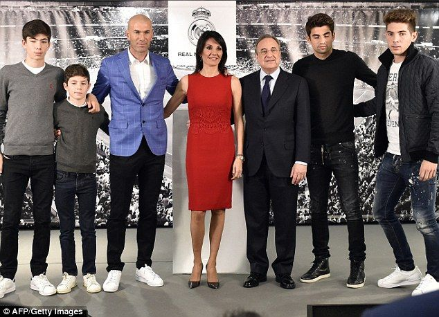 Zidane's son harmed the home team: Eaten a red card, received a penalty at the beginning of the game because of a silly double mistake - Photo 3.