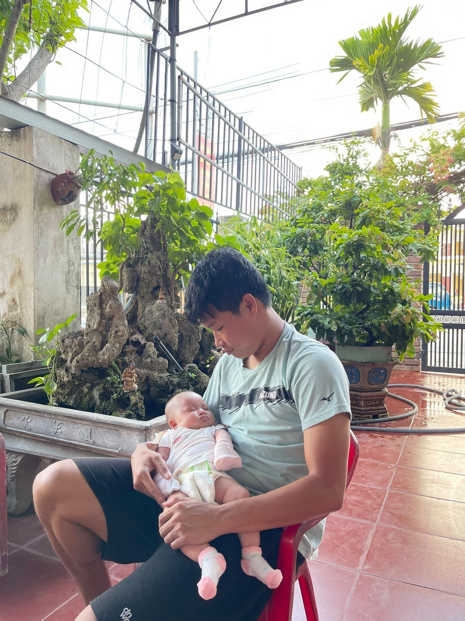 What do Vietnamese players do during the V.League break?  - Photo 2.