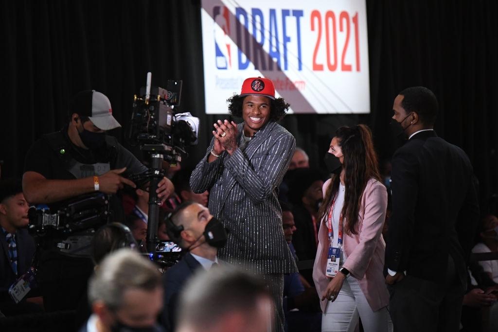 Bỏ lỡ cơ hội trở thành No. 1 Pick, tân binh Houston Rockets công khai khiêu chiến với Detroit Piston - Ảnh 1.