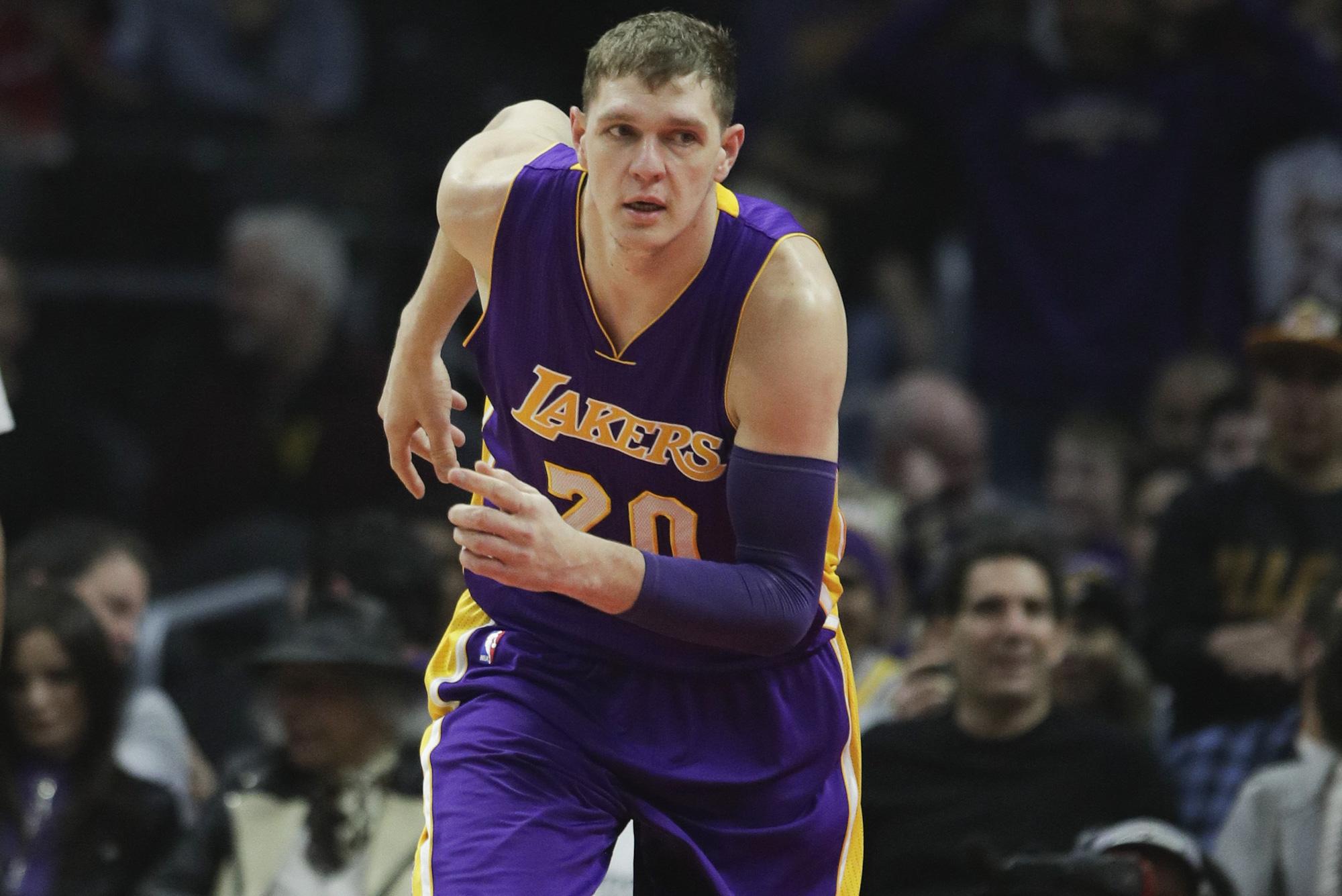 Top cầu thủ NBA đã nghỉ hưu nhưng vẫn nhận tiền tấn, chuyện thật như đùa - Ảnh 5.