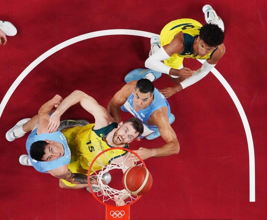 Đội tuyển Úc xuất sắc giành tấm vé vào bán kết nhờ màn trình diễn đẳng cấp của Patty Mills - Ảnh 2.
