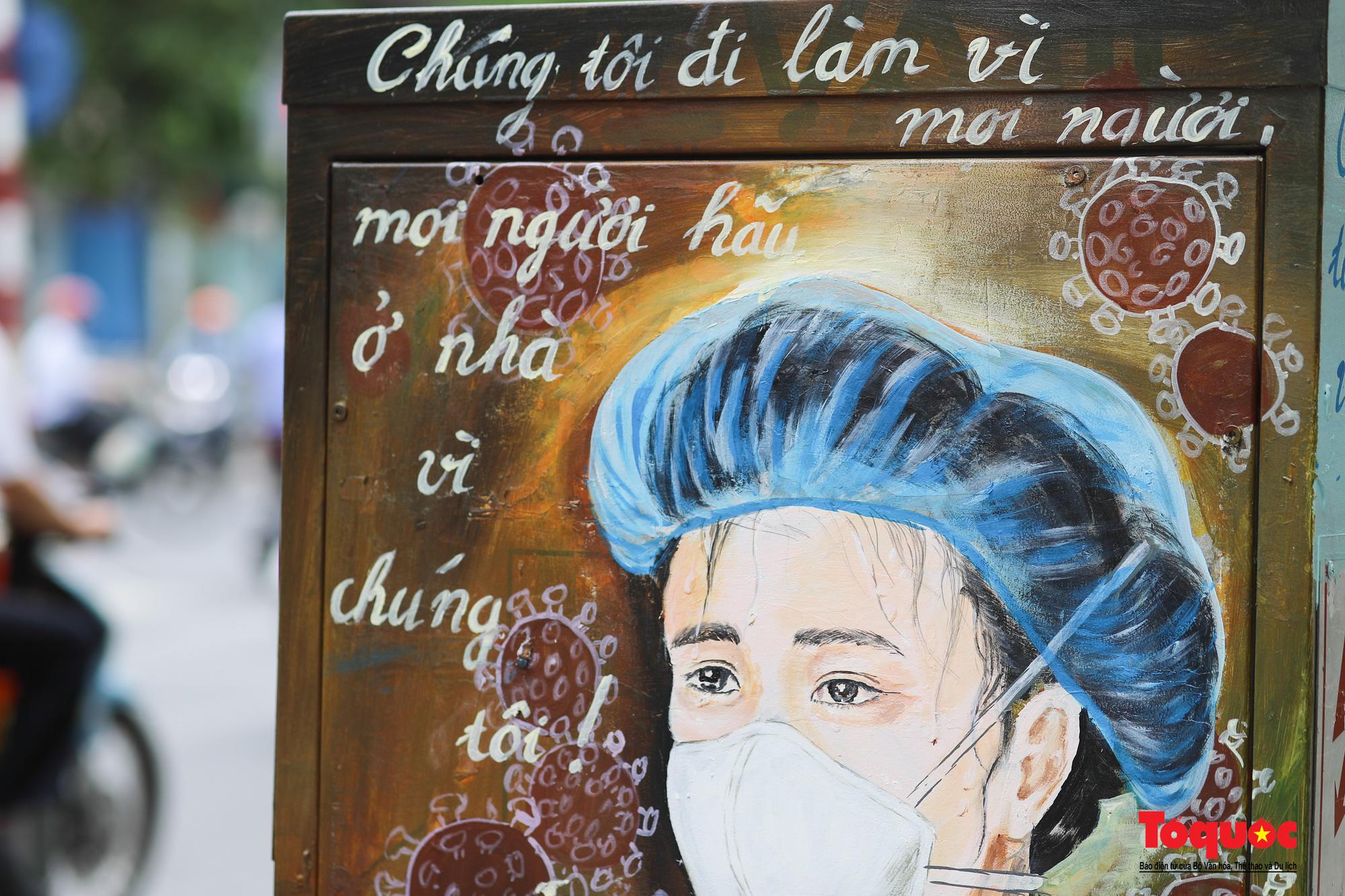 Pano, hình ảnh cổ động phòng chống dịch COVID-19 trên khắp đường phố Hà Nội - Ảnh 15.