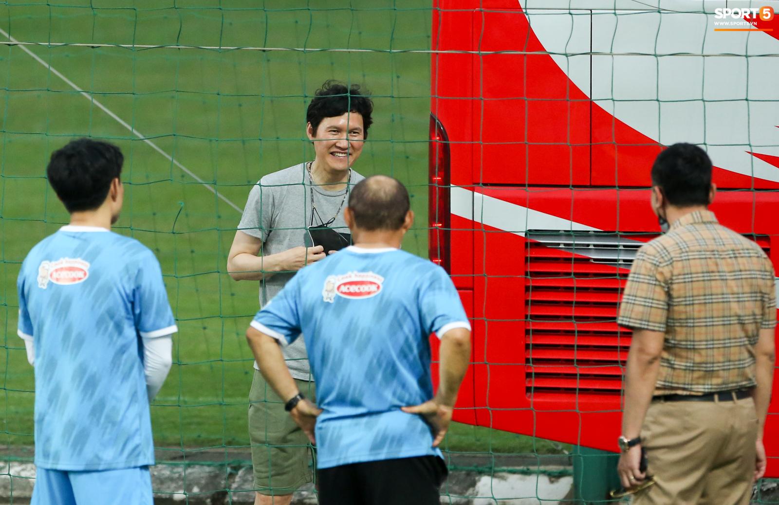 HLV Park Choong-kyun rút khỏi ban huấn luyện của tuyển Việt Nam - Ảnh 1.