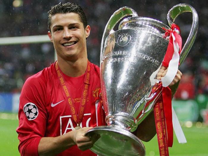 Ronaldo trải qua quãng thời gian đầy vinh quang với Man United