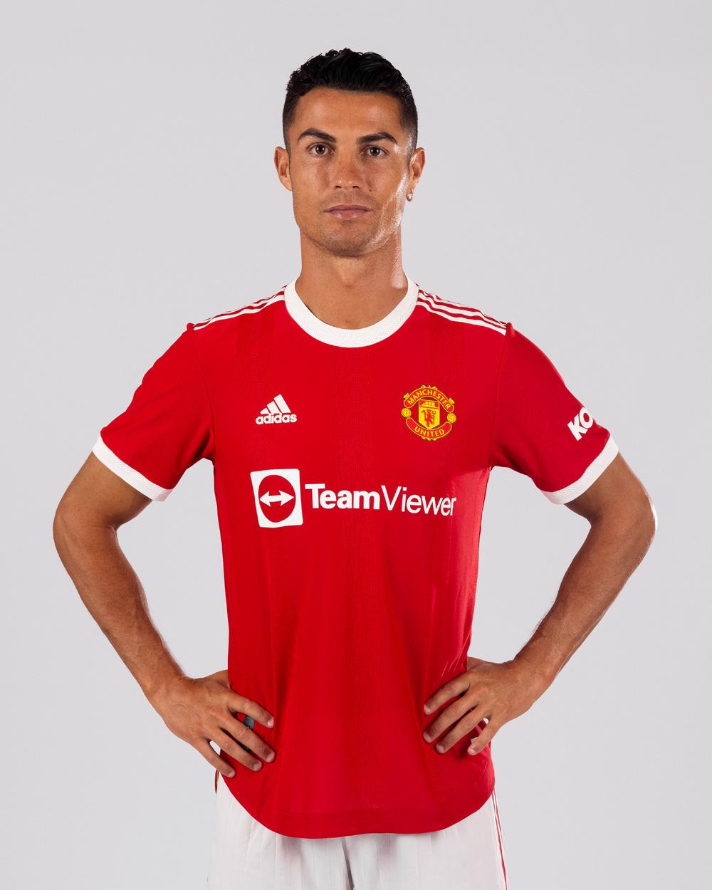 Đàn ông bản lĩnh phải quân tử nhất ngôn như Ronaldo, đã nói là làm: Thề không bao giờ gia nhập Man City, dám cạo đầu nếu vô địch, hứa ghi bàn tặng fan nhí ung thư - Ảnh 1.