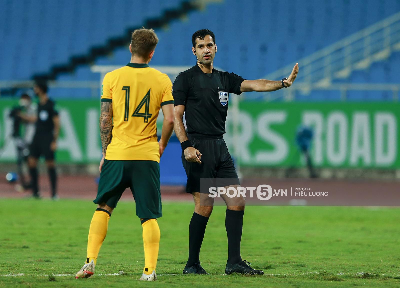 FIFA phản hồi thế nào khi tuyển Việt Nam khiếu nại về trọng tài trận gặp Australia? - Ảnh 1.