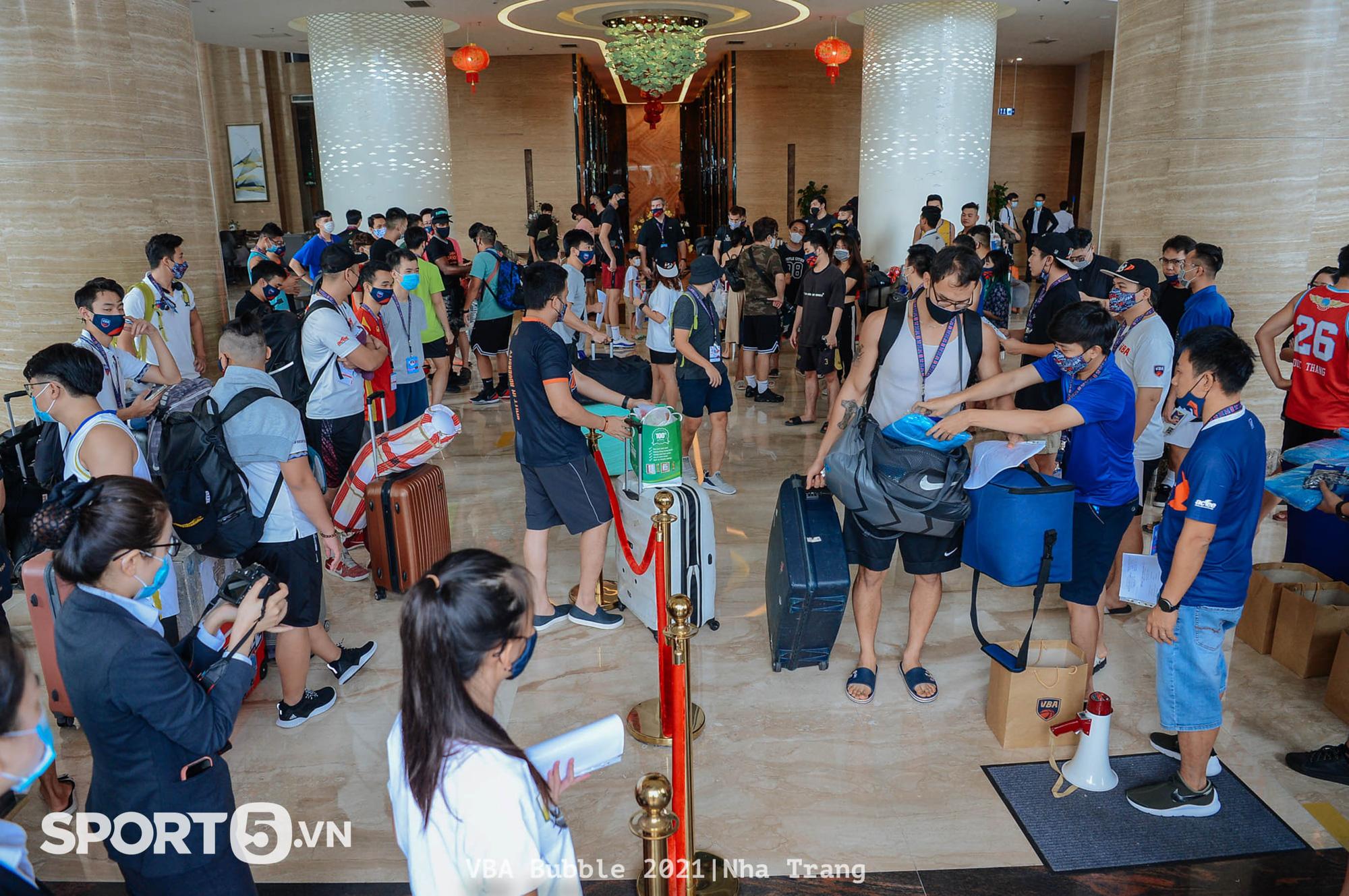 Hồi kết của VBA 2021: Gian nan và thử thách trên những chuyến xe xuyên Việt trở về nhà - Ảnh 3.