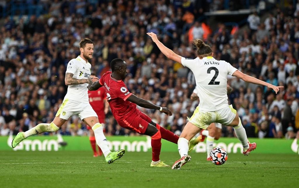 Salah ghi bàn thứ 100 tại Ngoại hạng Anh, Liverpool thắng đậm Leeds để chia sẻ top đầu với MU và Chelsea - Ảnh 9.