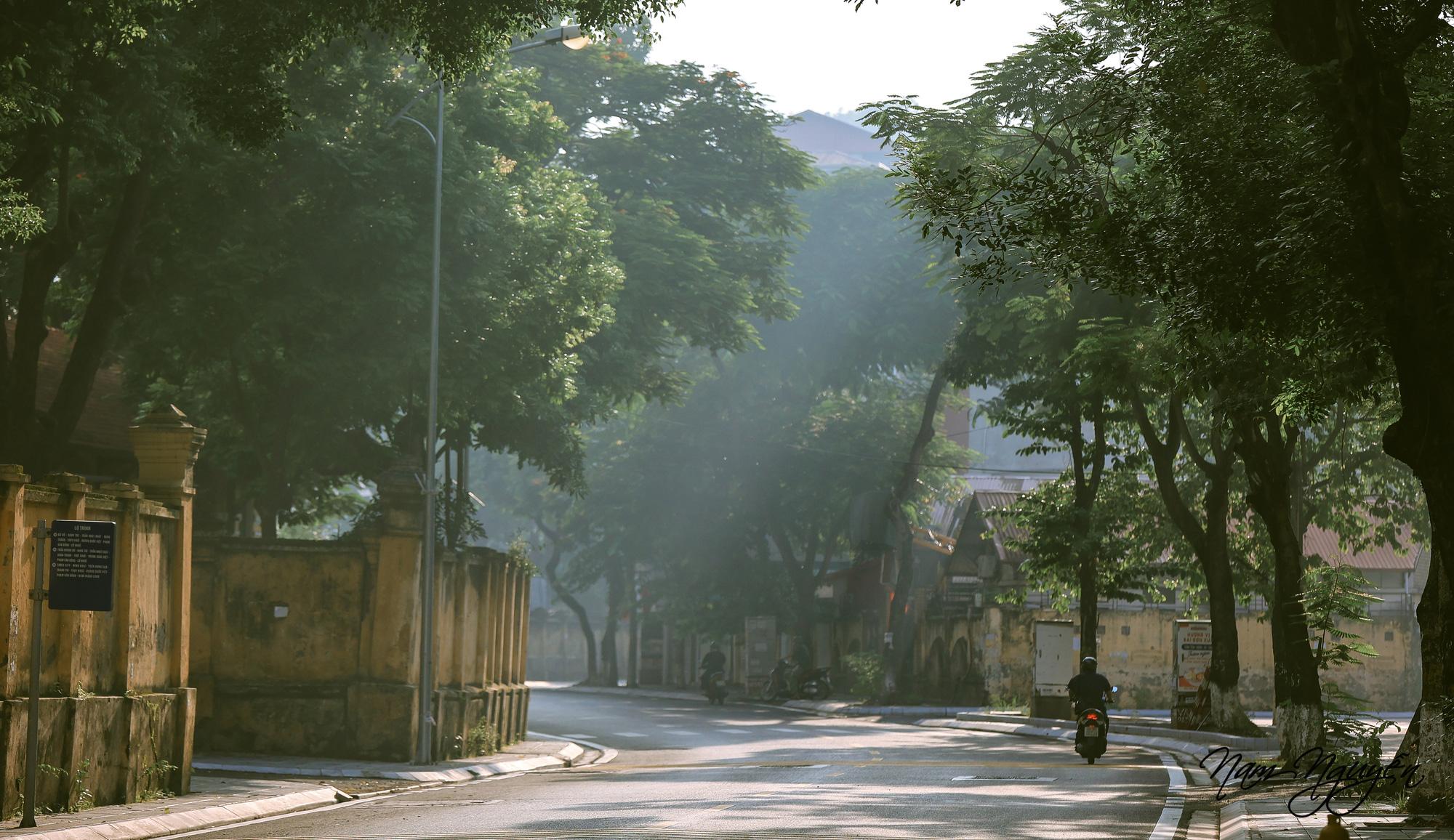 Say đắm trước vẻ đẹp của mùa thu Hà Nội - Ảnh 7.