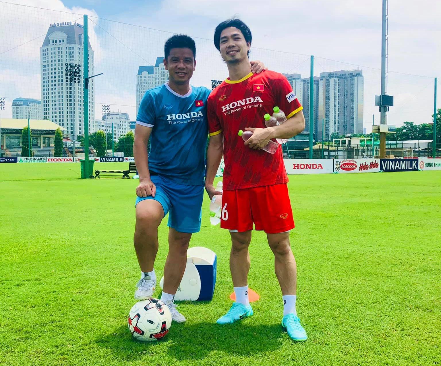Tuyển Việt Nam triệu tập 32 cầu thủ cho trận gặp Trung Quốc: Công Phượng trở lại - Ảnh 1.