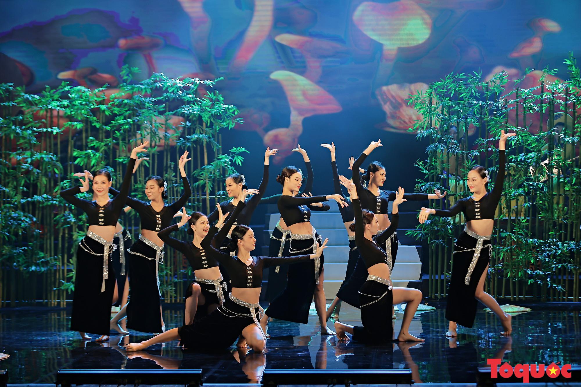 """Chương trình """"Giai điệu Việt"""": Món quà nghệ thuật đặc sắc của cộng đồng các dân tộc Việt Nam - Ảnh 4."""