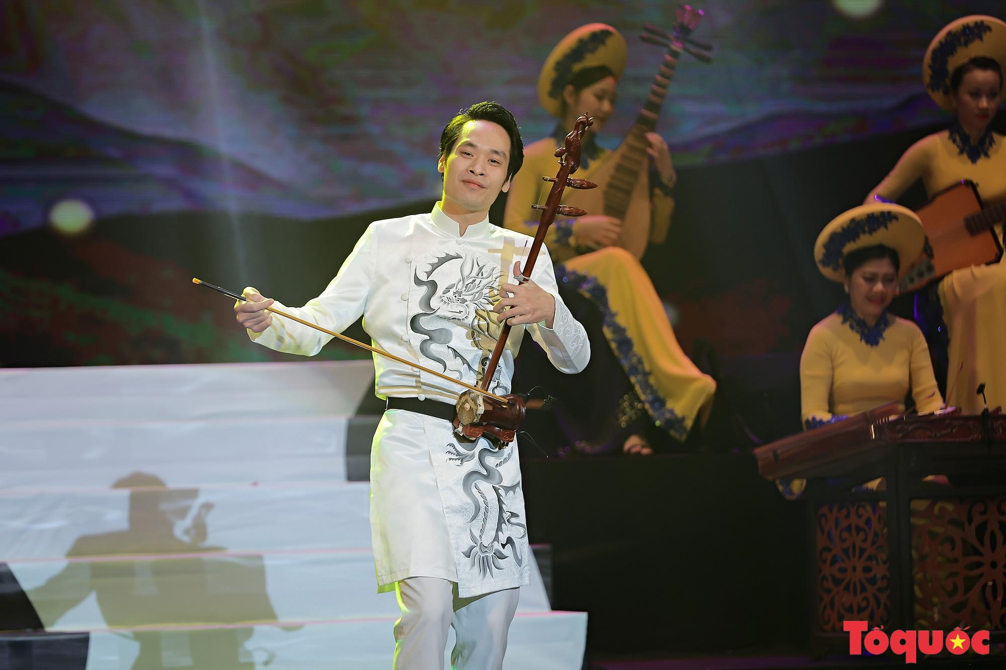 """Chương trình """"Giai điệu Việt"""": Món quà nghệ thuật đặc sắc của cộng đồng các dân tộc Việt Nam - Ảnh 7."""