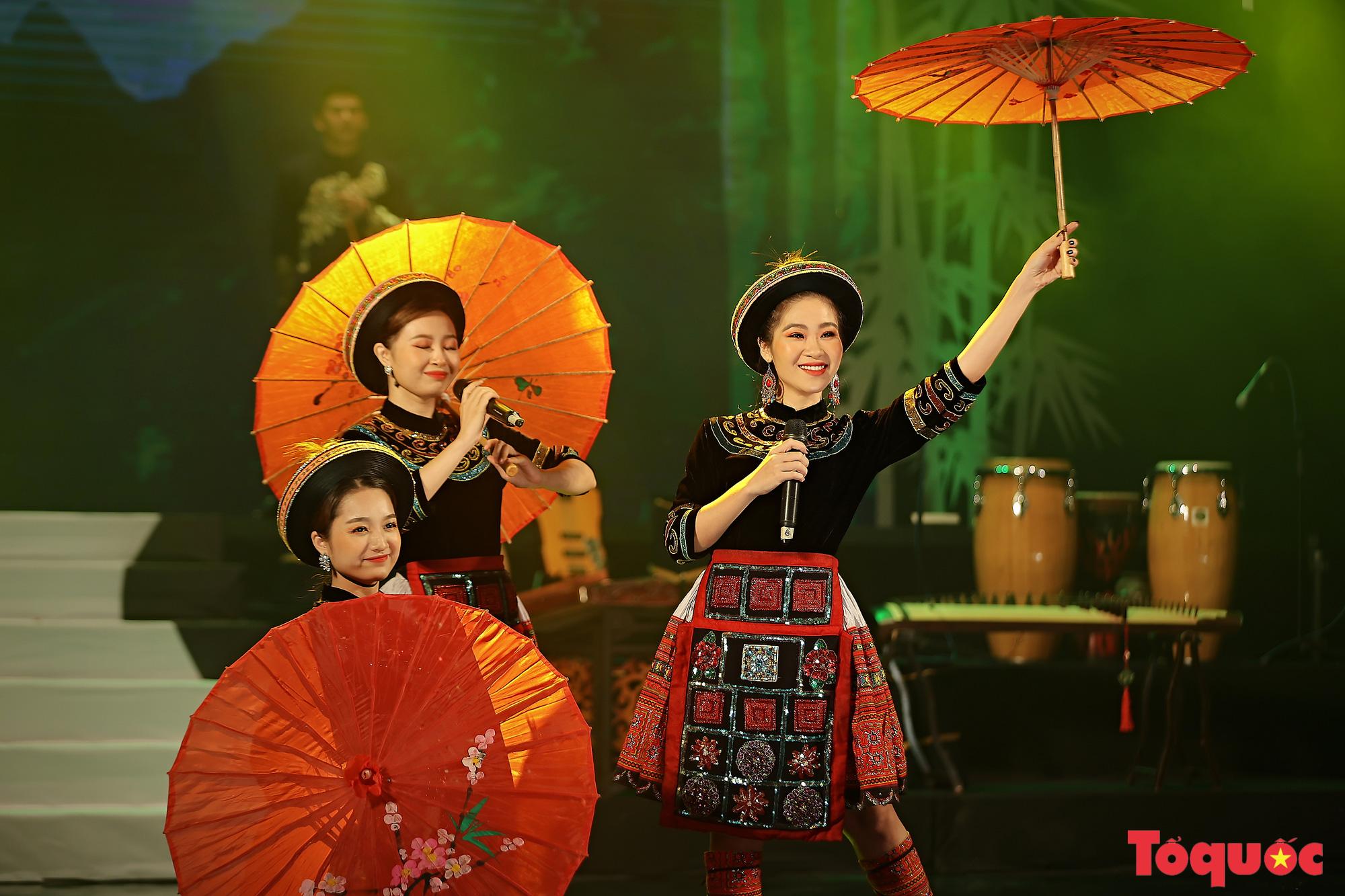 """Chương trình """"Giai điệu Việt"""": Món quà nghệ thuật đặc sắc của cộng đồng các dân tộc Việt Nam - Ảnh 10."""