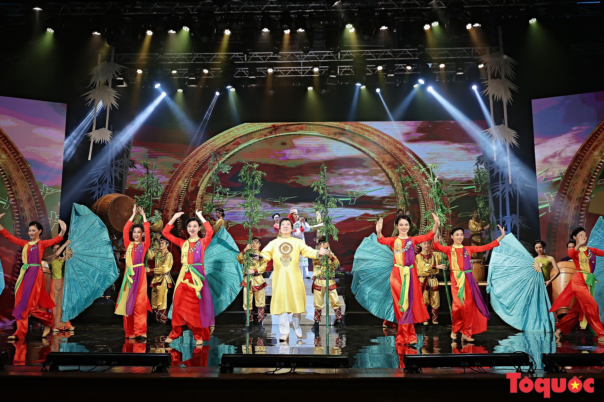 """Chương trình """"Giai điệu Việt"""": Món quà nghệ thuật đặc sắc của cộng đồng các dân tộc Việt Nam - Ảnh 12."""