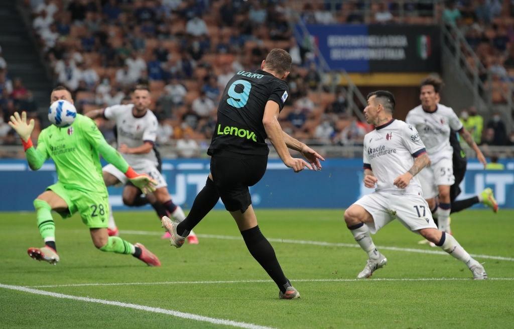 """Hậu vệ thay nhau tỏa sáng, Inter Milan """"đánh tennis"""" trên sân nhà trước Bologna - Ảnh 8."""