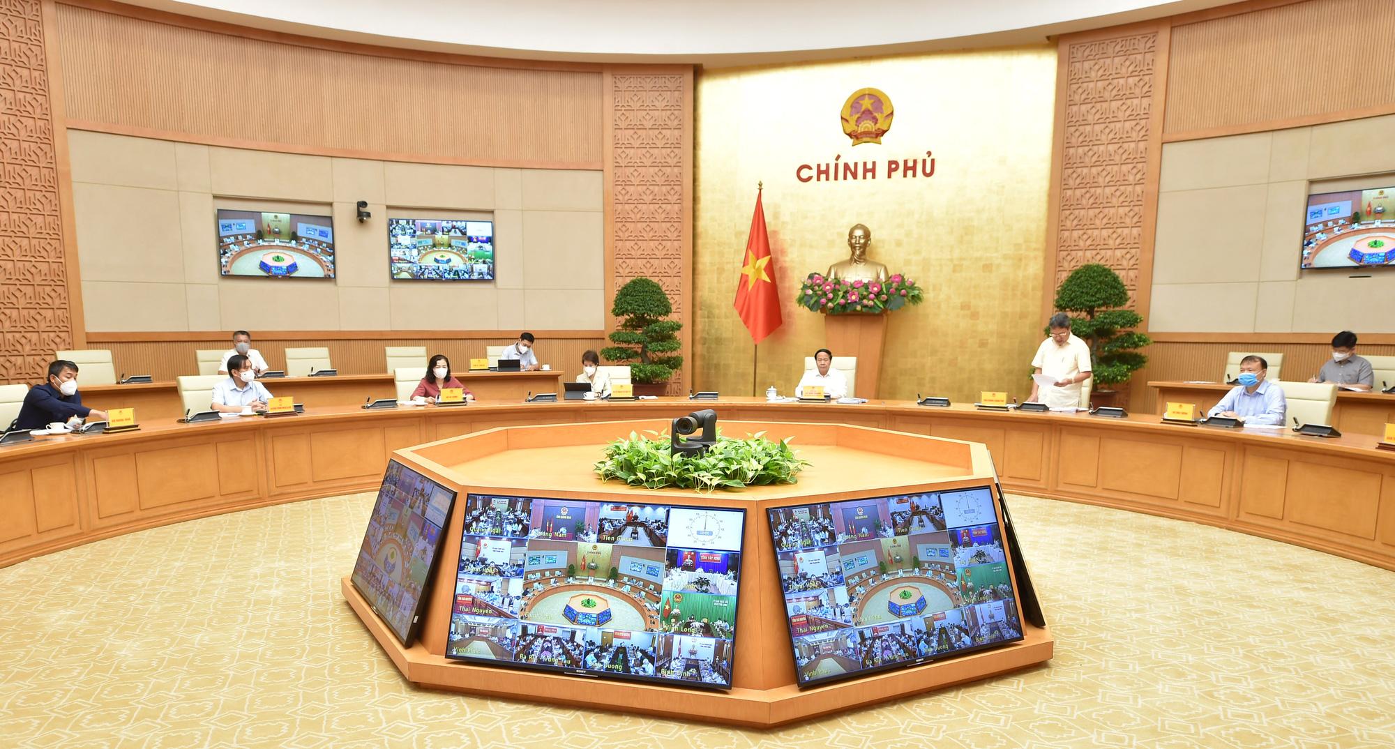 Phó Thủ tướng: Các cơ quan Trung ương sẽ đồng hành cùng DN đến khi phục hồi xong sản xuất kinh doanh - Ảnh 2.
