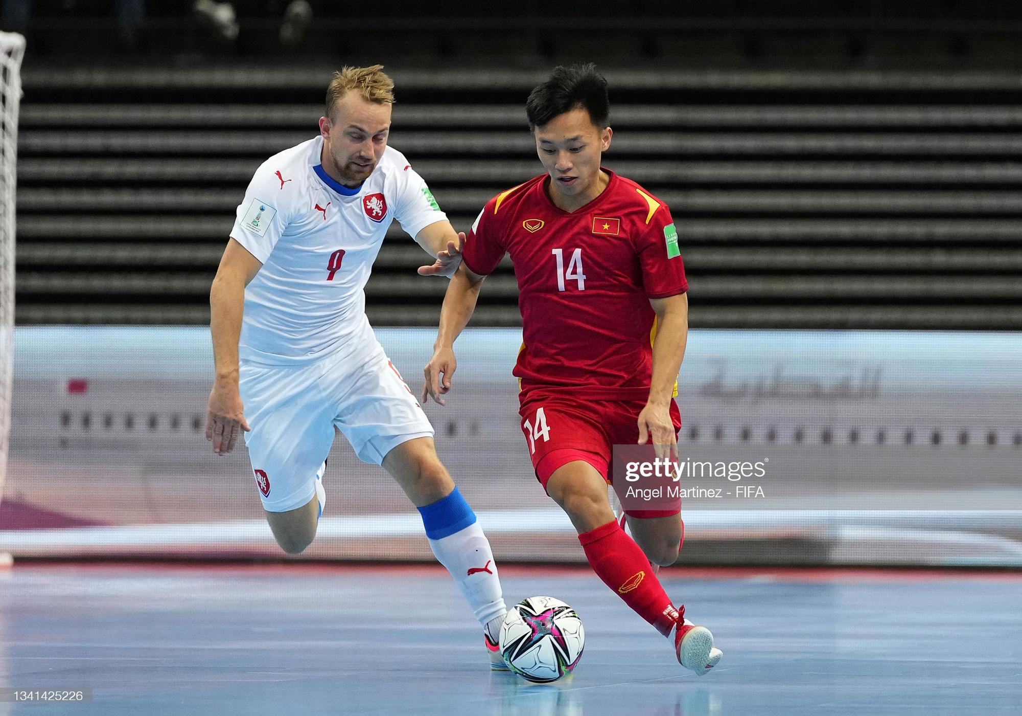 Tuyển thủ futsal Nguyễn Văn Hiếu được FIFA vinh danh trên trang chủ - Ảnh 2.