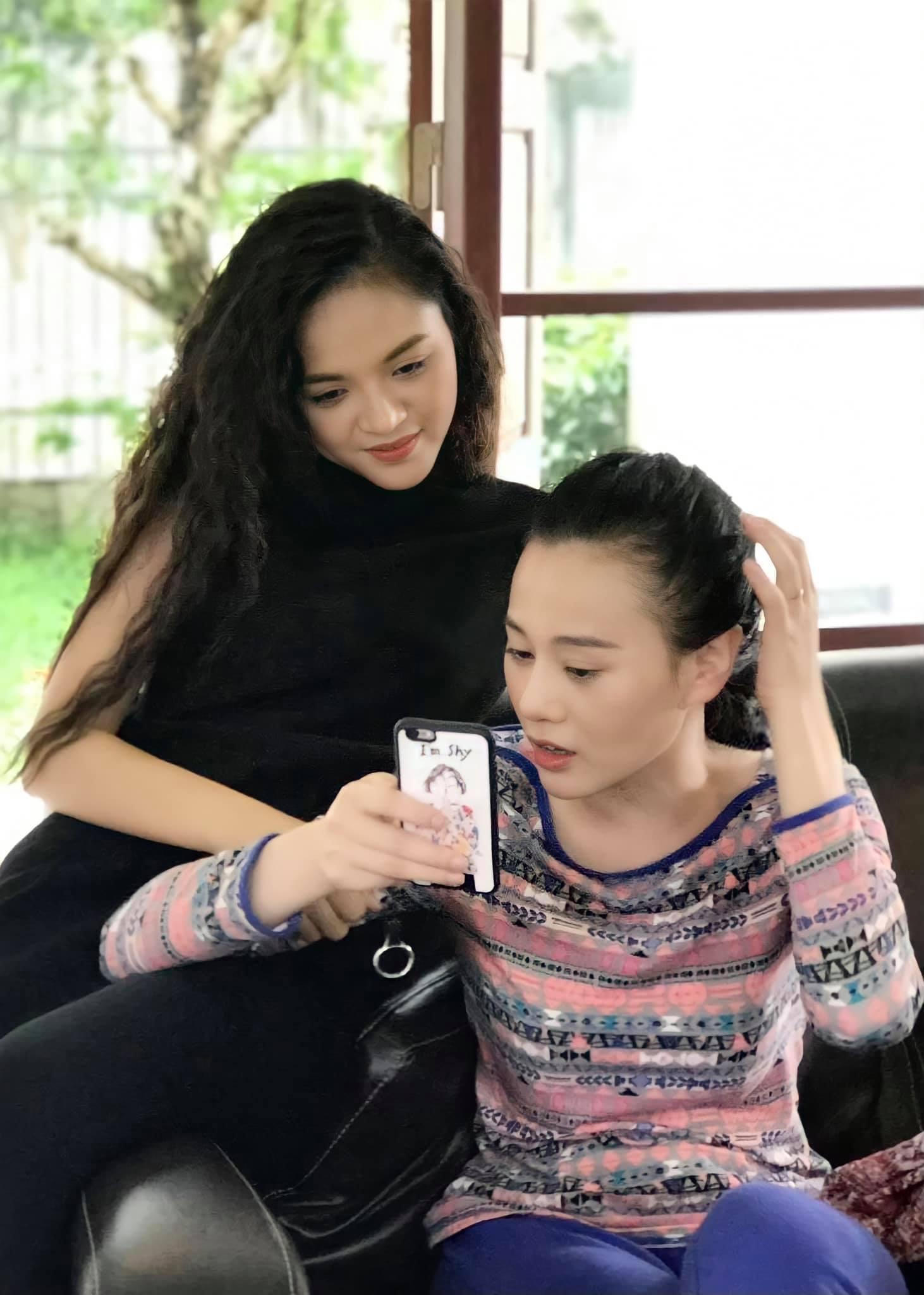 Hương vị tình thân: Khổ như Thu Quỳnh, chúc mừng sinh nhật Phương Oanh mà cũng bị nói cố tình dìm đồng nghiệp - Ảnh 1.