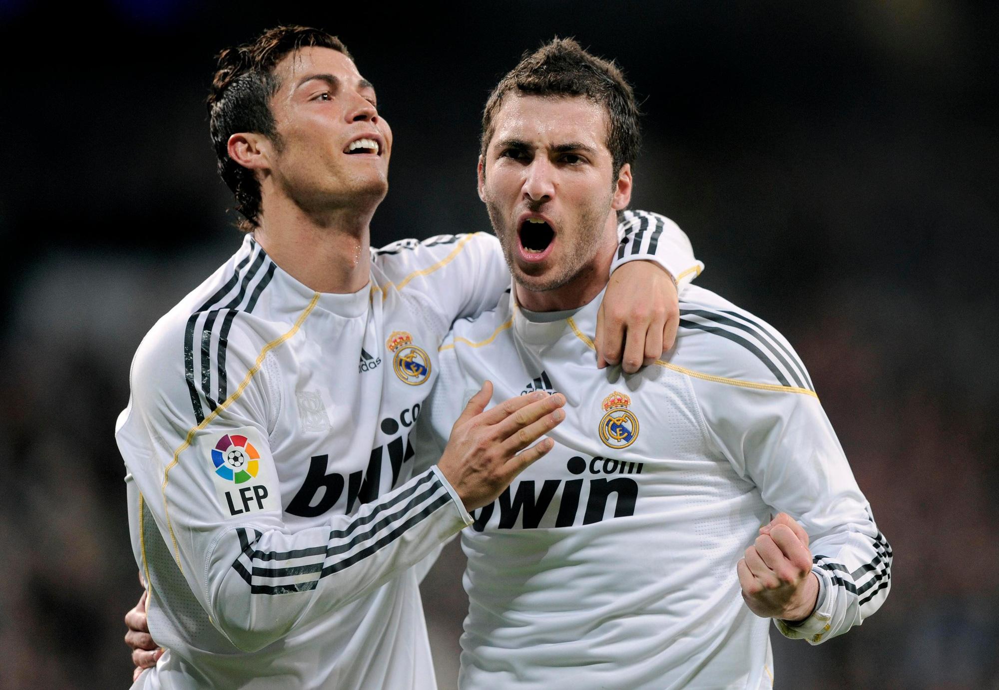 Từ đồng đội cho đến đồng hương, đây là 5 cầu thủ công khai chỉ trích Ronaldo - Ảnh 2.