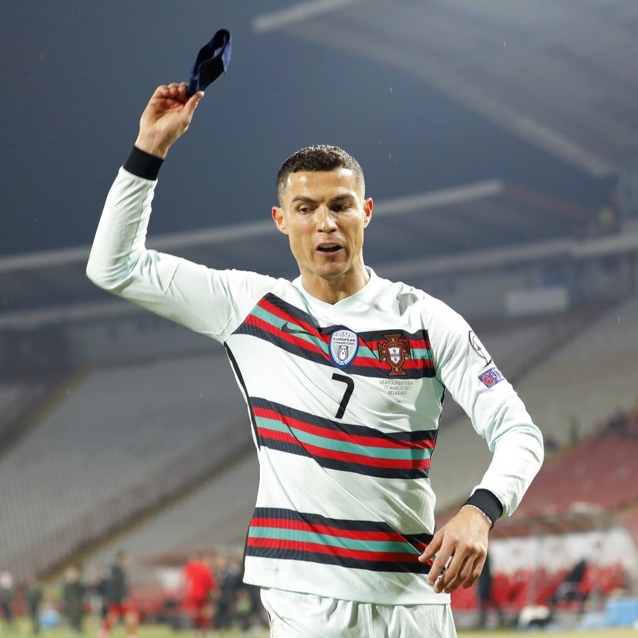 Từ đồng đội cho đến đồng hương, đây là 5 cầu thủ công khai chỉ trích Ronaldo - Ảnh 4.
