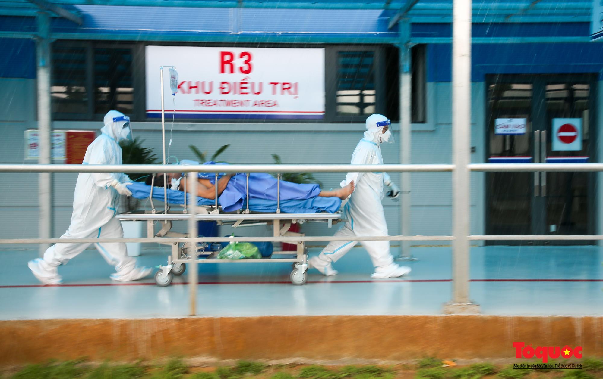 Hà Nội: Cận cảnh bên trong khu điều trị hiện đại của Bệnh viện điều trị người bệnh Covid 19  - Ảnh 11.