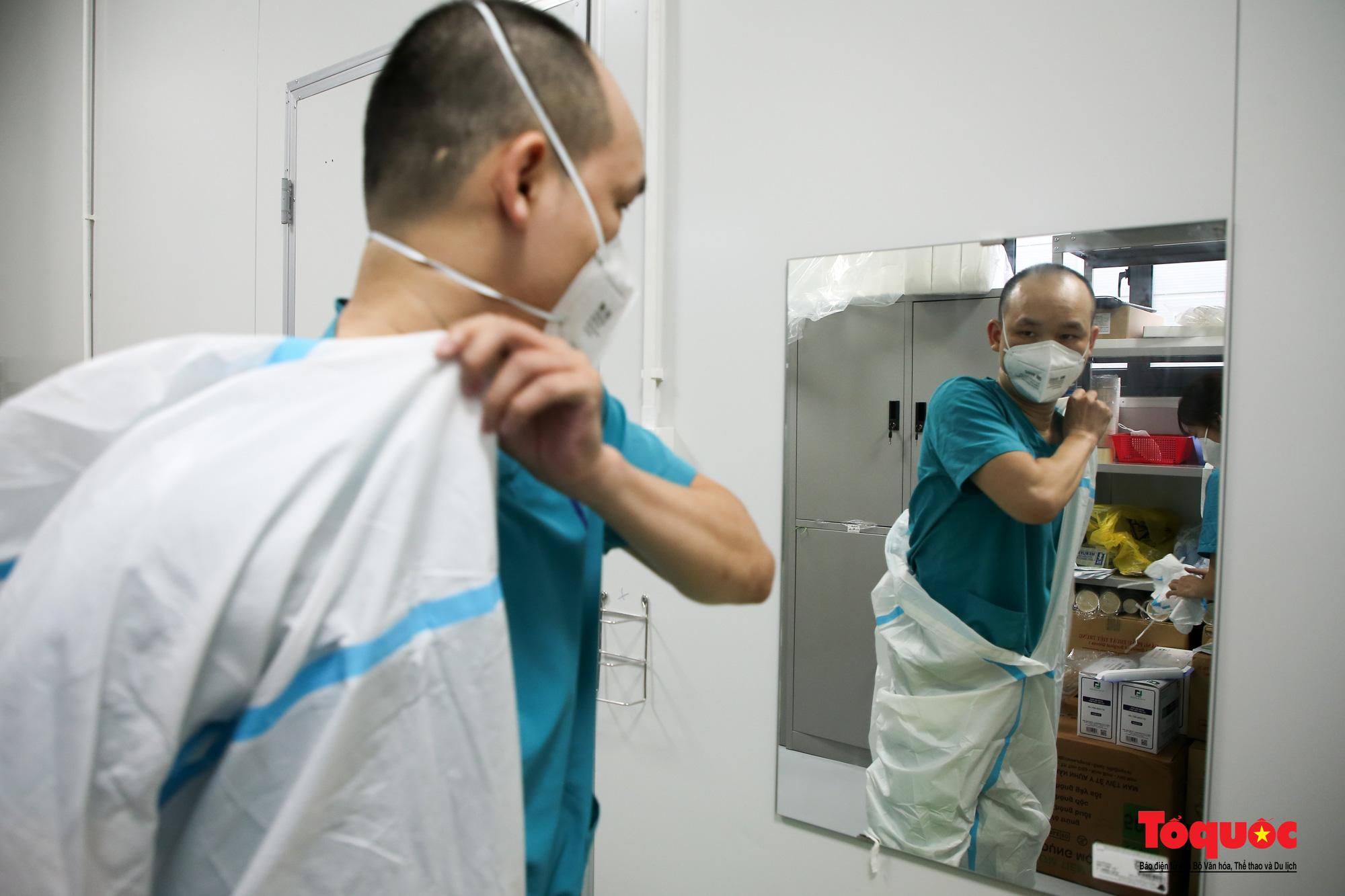 Hà Nội: Cận cảnh bên trong khu điều trị hiện đại của Bệnh viện điều trị người bệnh Covid 19  - Ảnh 18.