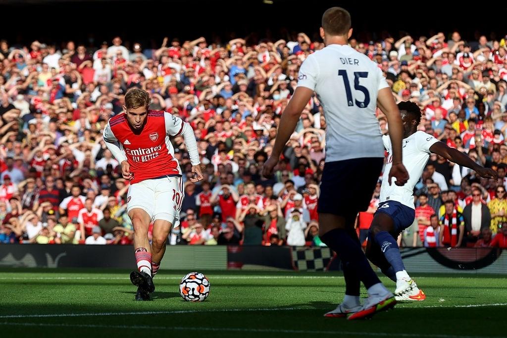 Arsenal 3-1 Tottenham: Smith-Rowe rực cháy giúp Pháo Thủ thắng lớn trận derby London - Ảnh 2.