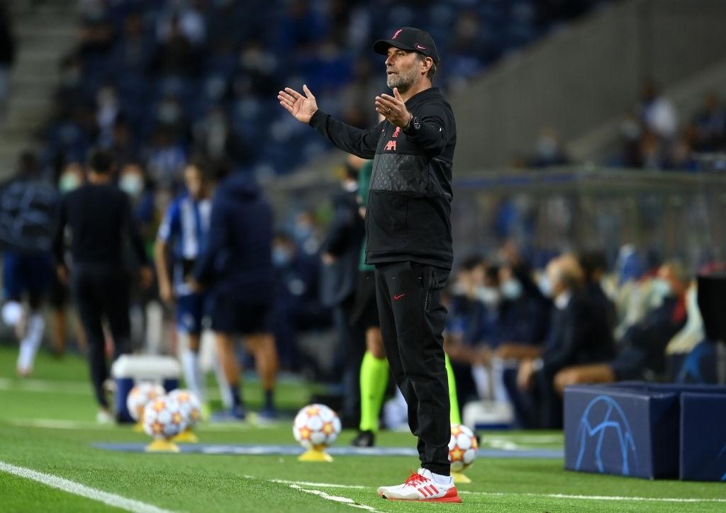 Tam tấu Salah - Mane - Firmino thay nhau lập công, Liverpool đại thắng ở Champions League - Ảnh 8.
