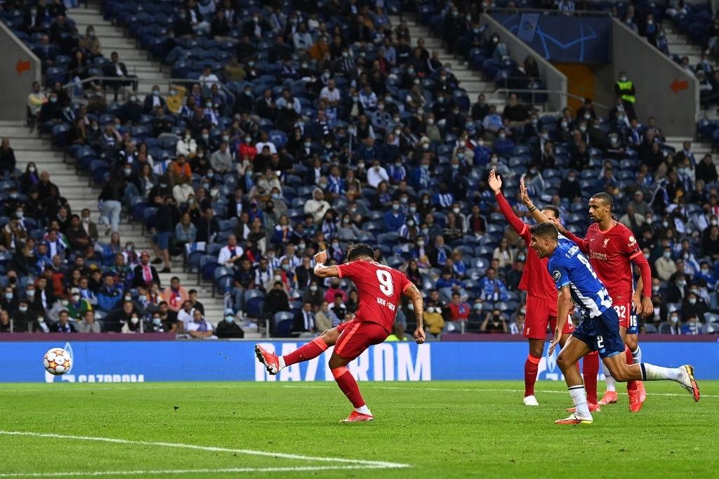 Tam tấu Salah - Mane - Firmino thay nhau lập công, Liverpool đại thắng ở Champions League - Ảnh 10.
