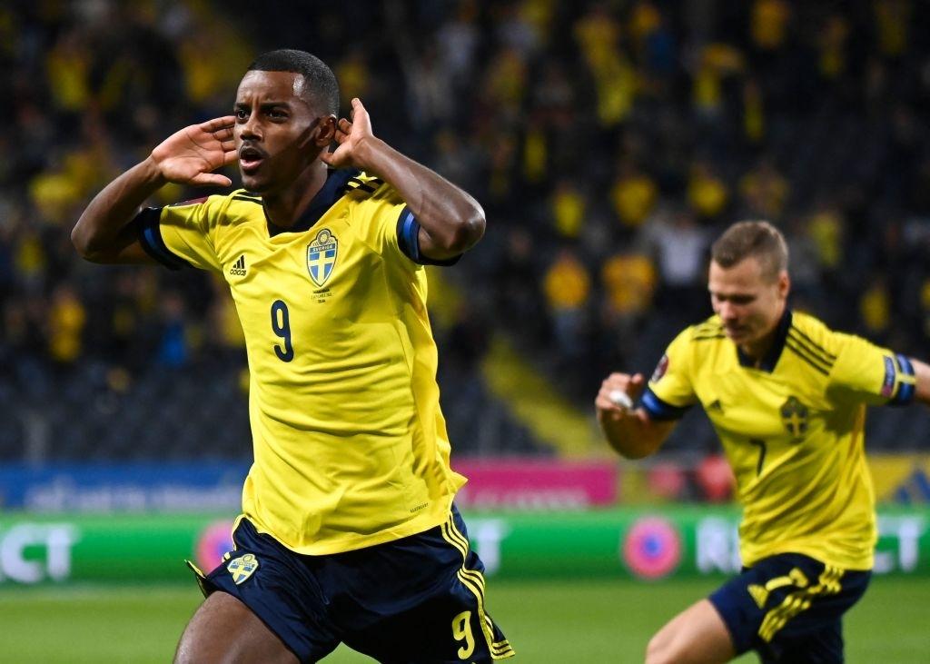 Hàng tiền vệ mắc sai lầm, Tây Ban Nha ngậm ngùi nhận thất bại 1-2 trước Thụy Điển - Ảnh 2.