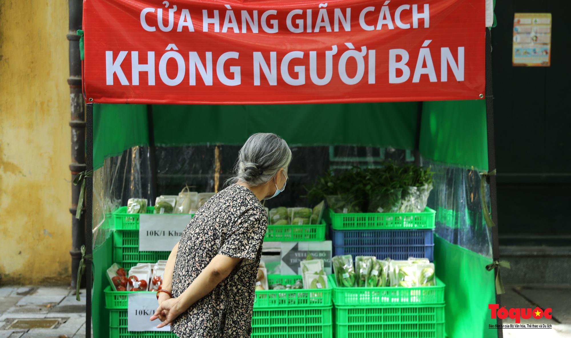 Hà Nội: Cửa hàng thiết yếu không người bán, người mua cũng không cần phải trả tiền ngay - Ảnh 7.