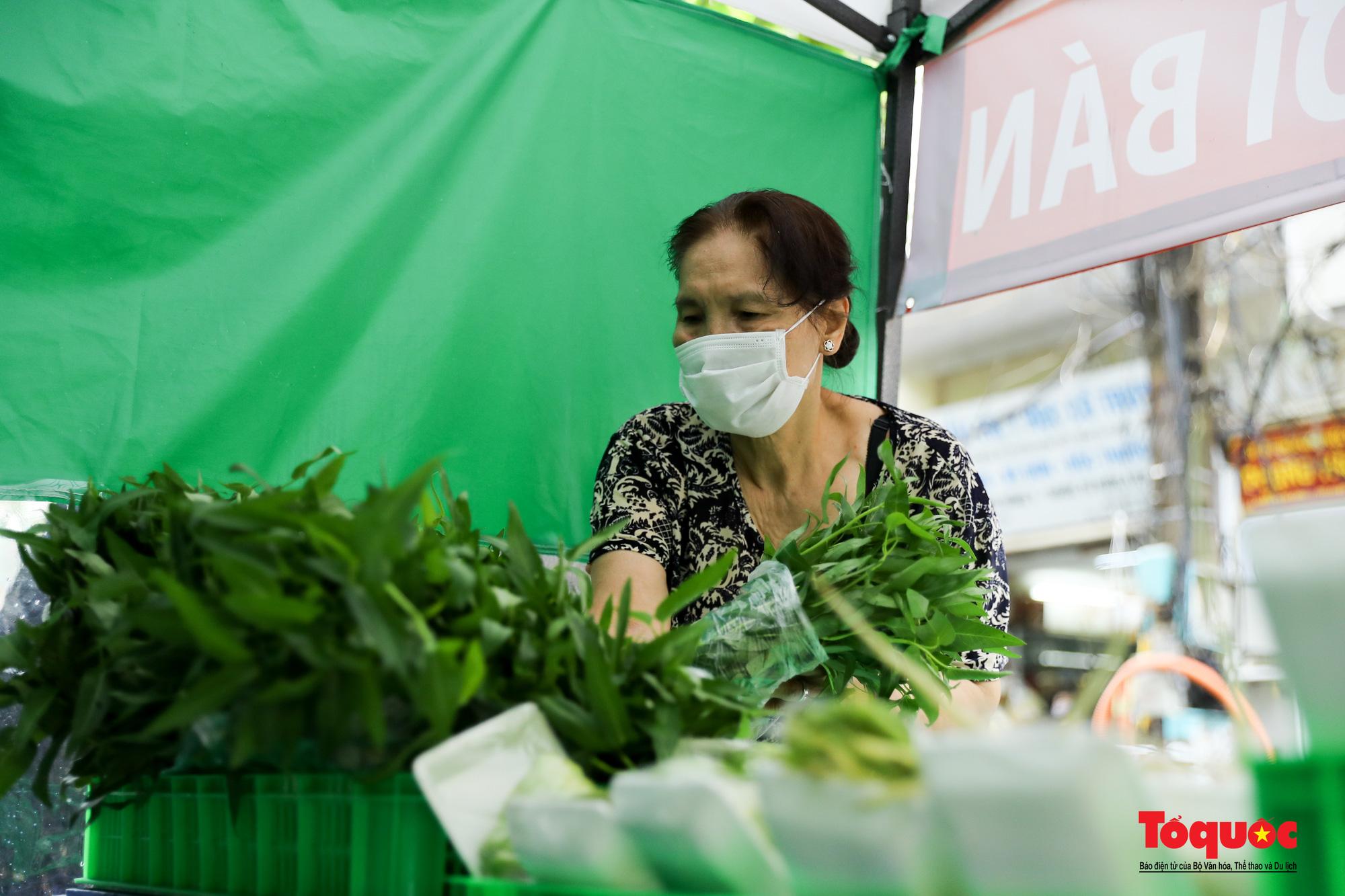 Hà Nội: Cửa hàng thiết yếu không người bán, người mua cũng không cần phải trả tiền ngay - Ảnh 9.