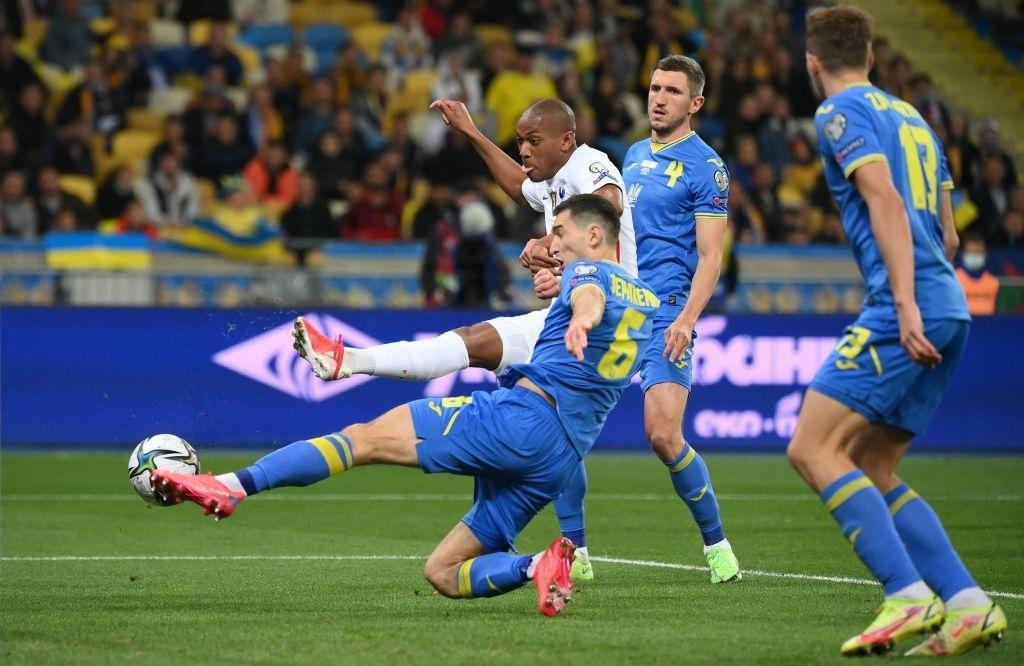 """""""Chân gỗ"""" tỏa sáng, Pháp vẫn để Ukraine cầm hòa 1-1 sau 90 phút - Ảnh 7."""