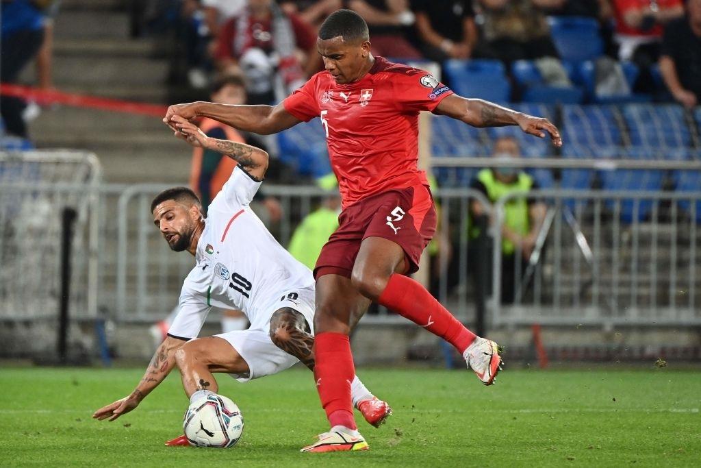 Jorginho đá hỏng 11m, Italia hoà Thuỵ Sĩ trong trận cầu không bàn thắng - Ảnh 5.