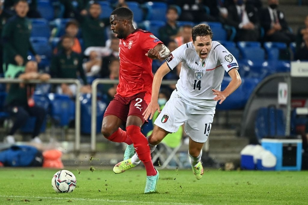 Jorginho đá hỏng 11m, Italia hoà Thuỵ Sĩ trong trận cầu không bàn thắng - Ảnh 8.