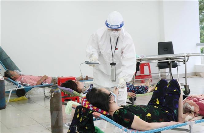 Bác sĩ trong tâm dịch 115: Làm việc 200 - 300% sức lực, chỉ lơ là 1 phút là có thể lây nhiễm Covid-19  - Ảnh 1.