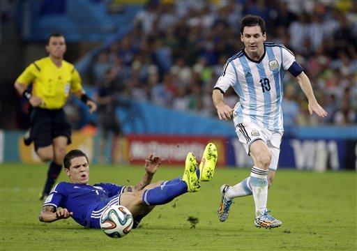 Messi chói sáng trong chiến thắng của Argentina