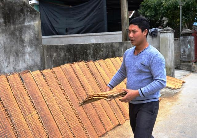 Người Tân An gắn bó với nghề bún bánh không chỉ vì miếng cơm manh áo, mà còn vì cả thương hiệu của làng