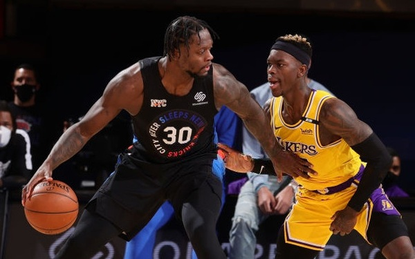 Thảm bại trước New York Knicks, Los Angeles
