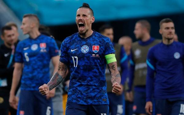 Cầu thủ liên tục mắc lỗi, ĐT Ba Lan nhận thất bại đầu tiên tại Euro 2020