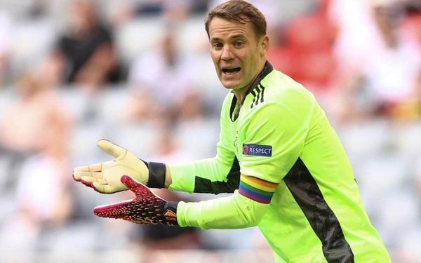 UEFA dừng điều tra Neuer vì ủng hộ LGBT