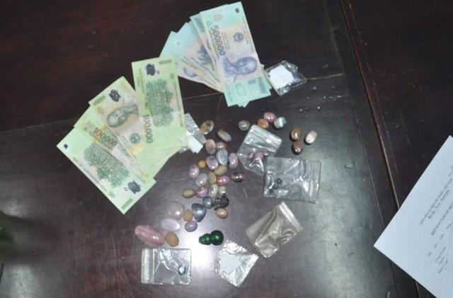 Bắt đối tượng trộm tài sản của du khách trên bãi biển Đà Nẵng - Ảnh 2.