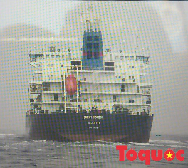 Chủ tàu kể phút giây 13 thuyền viên suýt chết khi bị tàu lạ đâm trên vùng biển Hoàng Sa - Ảnh 4.