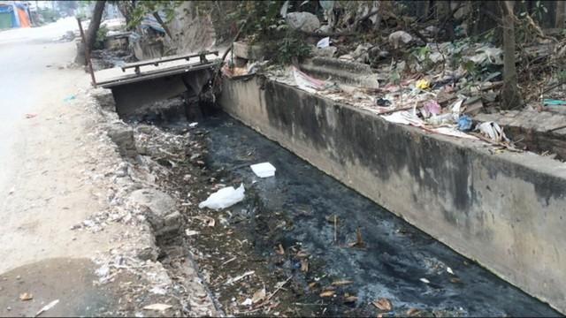 Sức ép từ phát triển kinh tế - xã hội đến môi trường nước mặt  - Ảnh 1.